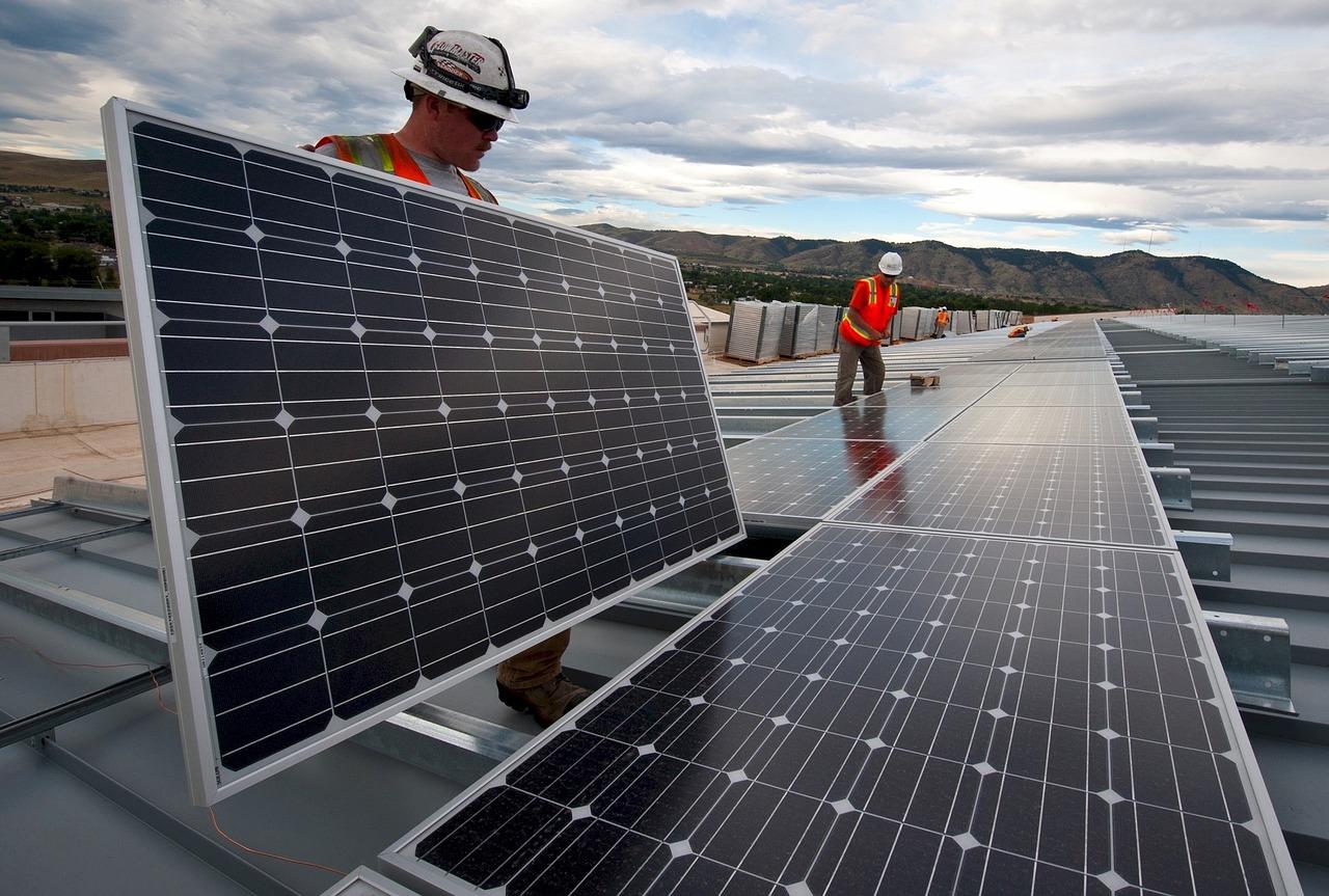 BP ridurrà la produzione di petrolio e gas del 40% in 10 anni